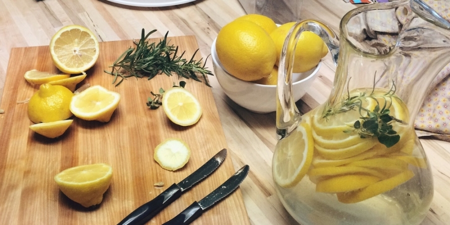 Waarom-warm-water-met-citroensap-een-slecht-idee-is_img900